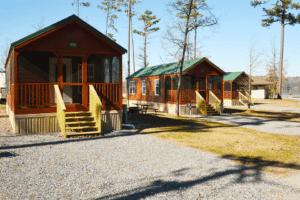 cabins at Lake Guntersville